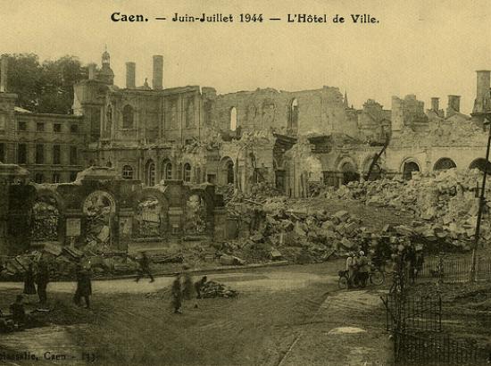 hôtel de ville détruit en 1944
