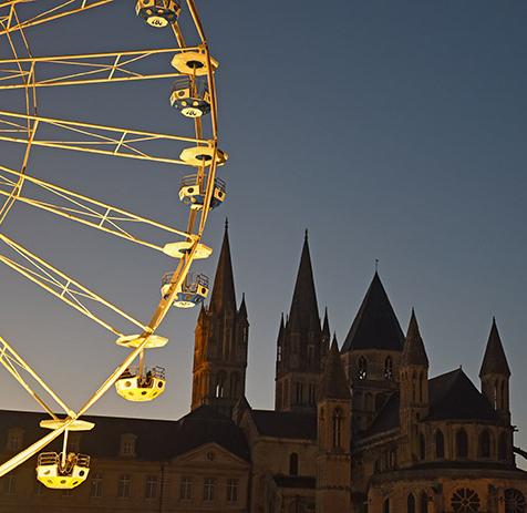 grande roue et hotel de ville